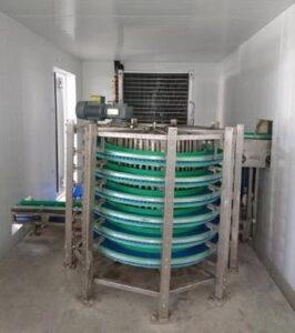 Спиральный аппарат для заморозки творога
